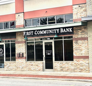 First Community Bank Opens Conway Location
