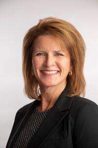 FIRST COMMUNITY BANK ANNOUNCES JACKIE BENNETT AS COMMERCIAL LENDER